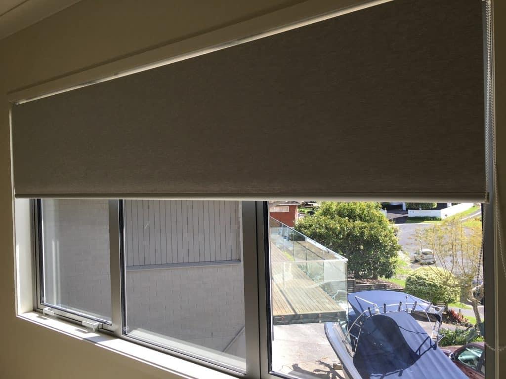 Blackout roller blinds