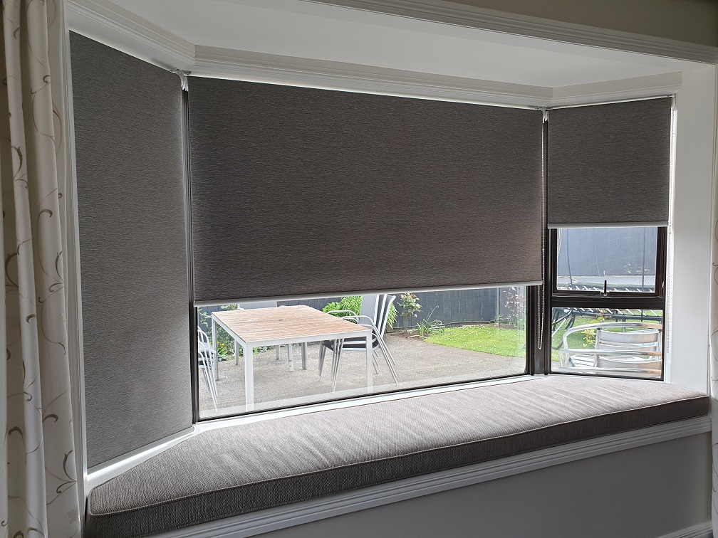Thermal roller blinds in Mangere Bridge