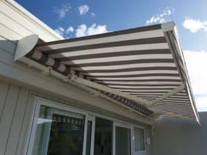 Aluminium hood awning