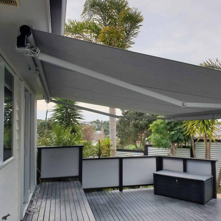 Horizon monobloc - soffit undermount